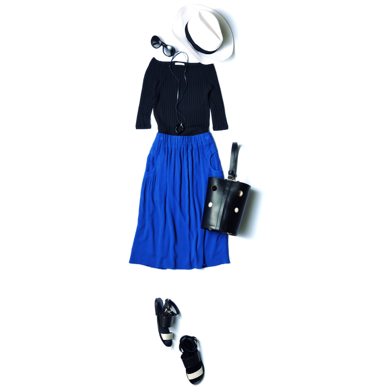 【11】白ハット×黒ニット×スカート