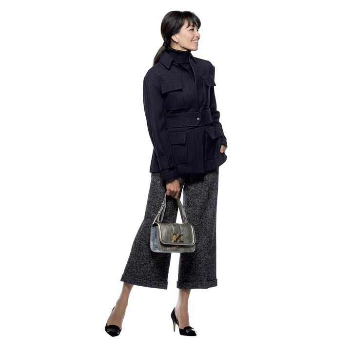 【2】ワイドパンツ×メンズライクジャケットも足首を見せて女らしく