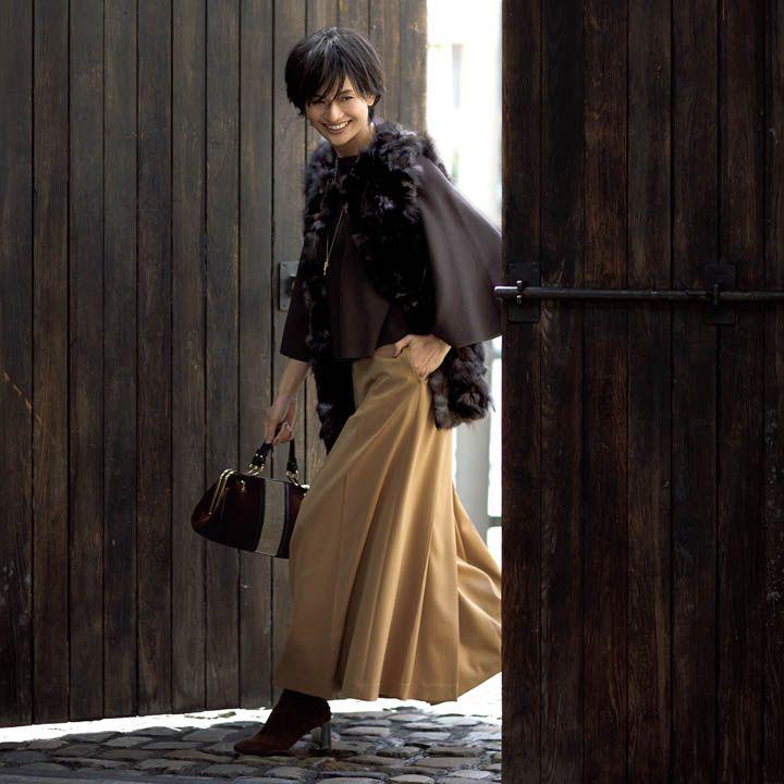 茶色ニット×ジレ×ワイドパンツ