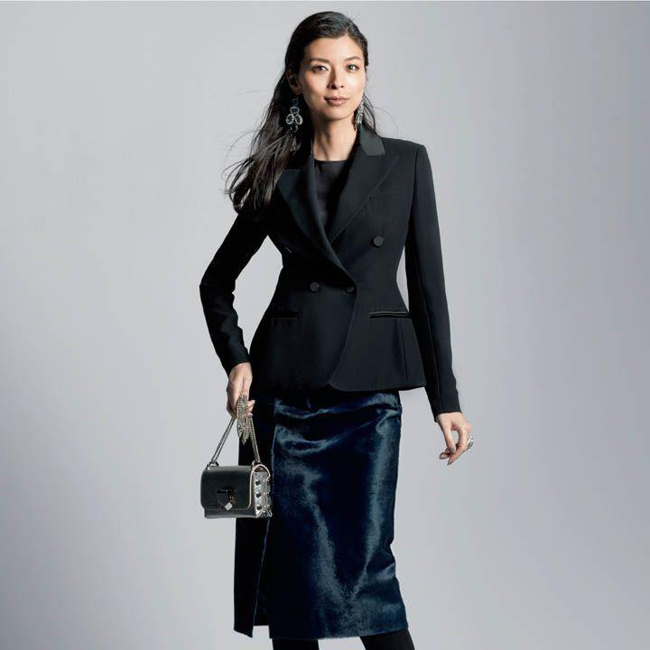 黒ジャケット×タイトスカート