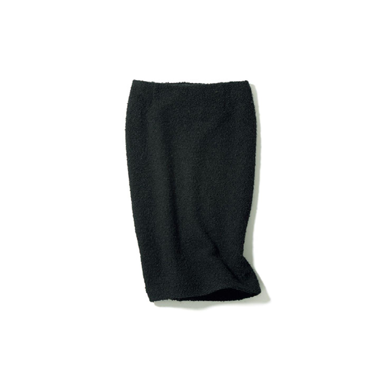 【2】黒のタイトスカート