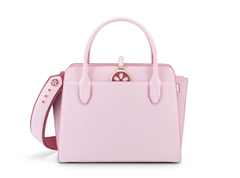 ブルガリ|新色『桜ピンク』のハンドバッグ(日本限定)