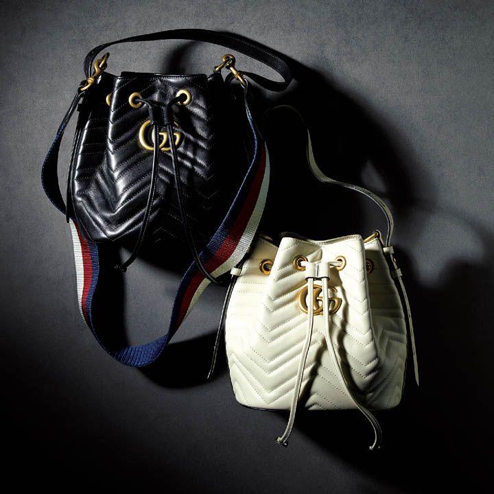 シェブロンのキルティングを施した巾着形バッグ