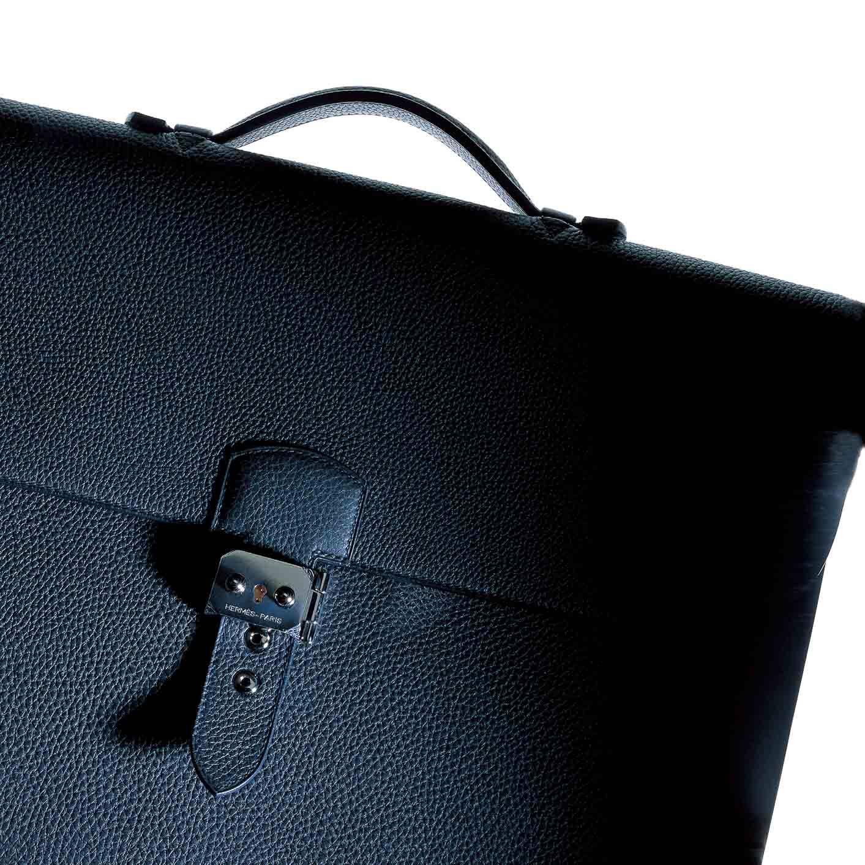 【8】スーツに似合うバッグの最高峰「エルメス」