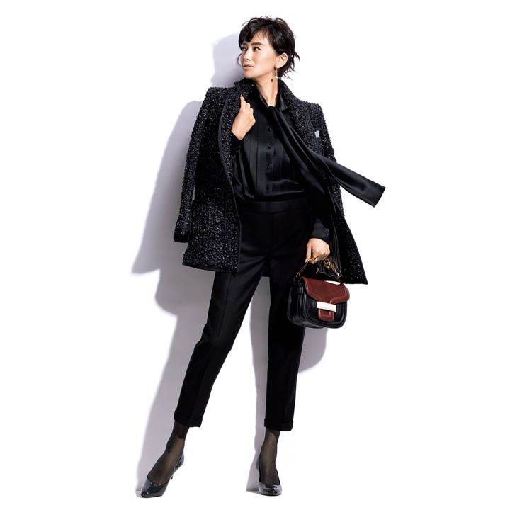 黒パンツ×テーラードジャケット