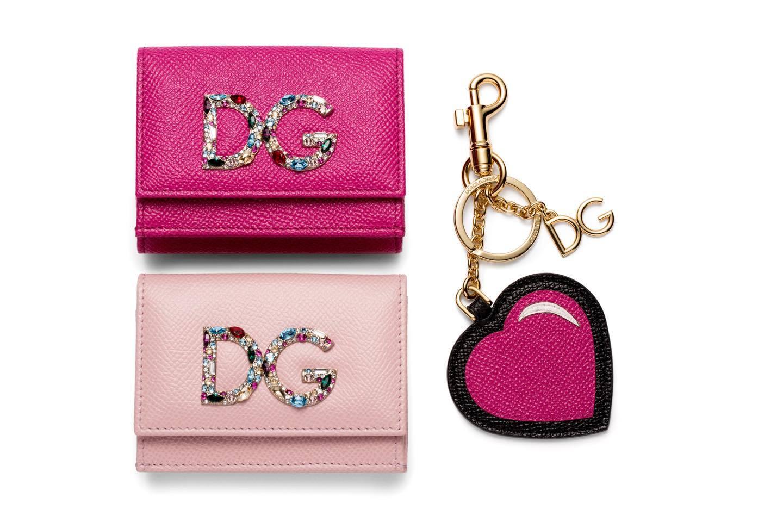 ドルチェ&ガッバーナのビビットピンクの財布