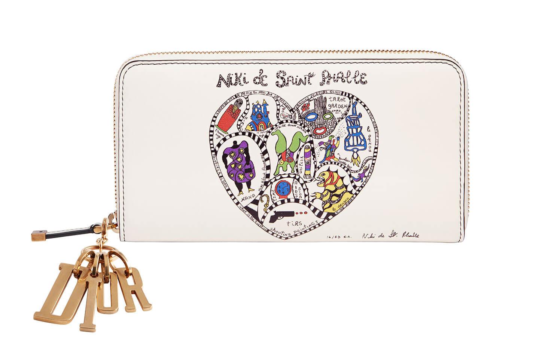 【1】レディ ディオールの新作財布