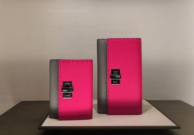 フェンディのカラーブロッキング財布