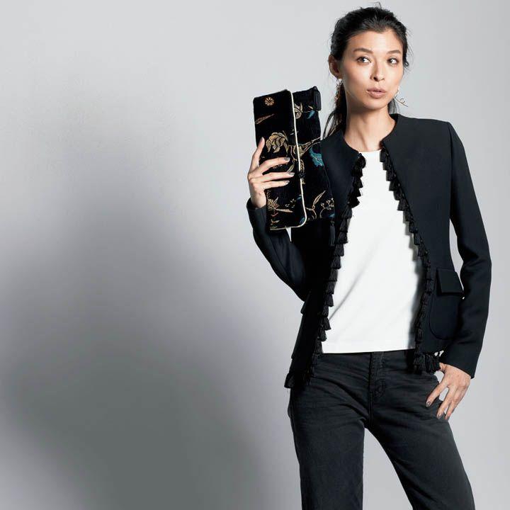 黒パンツ×ジャケット