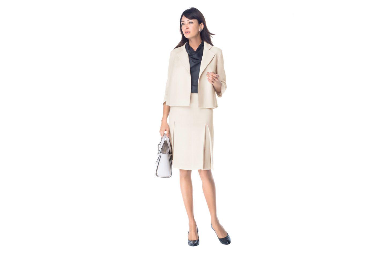 【3】スカートスーツ着回しコーデ