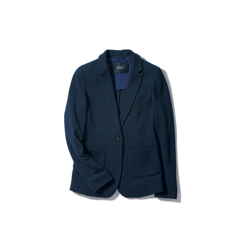 【3】ネイビーのジャケット
