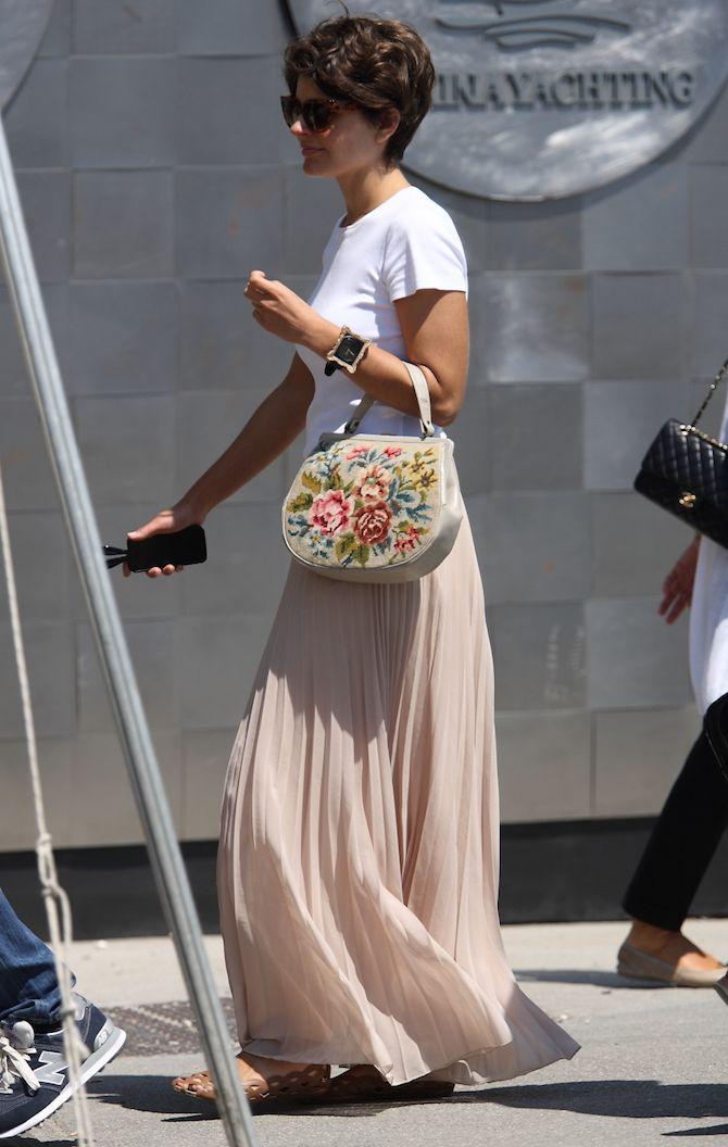 【10】ピンクロングスカート×白Tシャツ