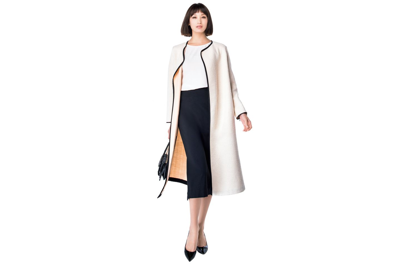 【1】ロングタイトスカート×白ブラウス×ノーカラーコート
