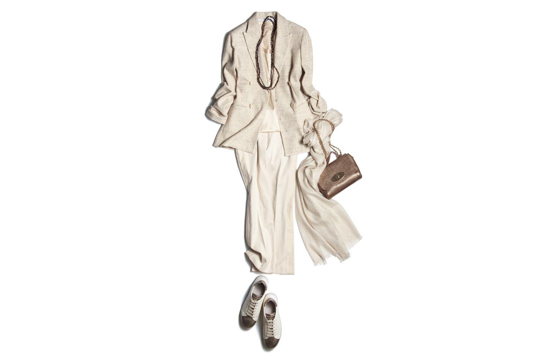 【10】ホワイトジャケット×ホワイトパンツ