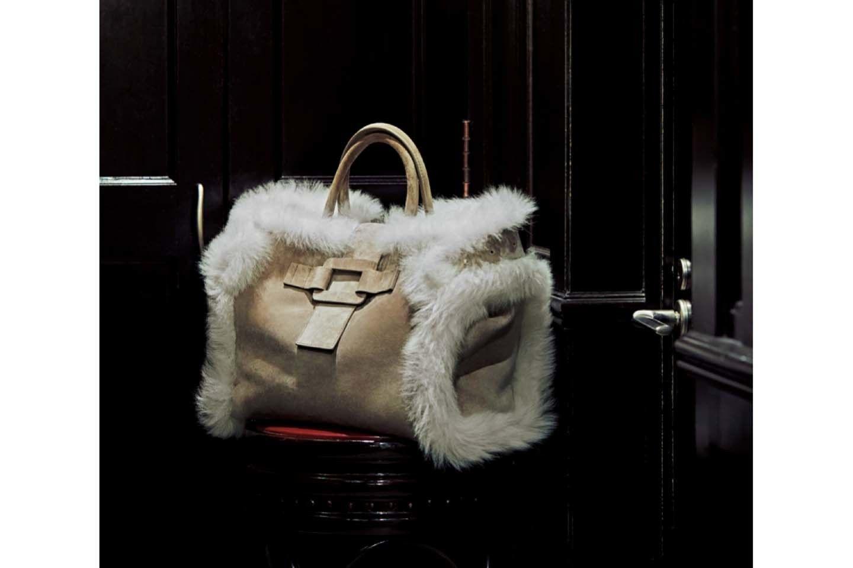 ロジェ ヴィヴィエのスエードトートバッグ