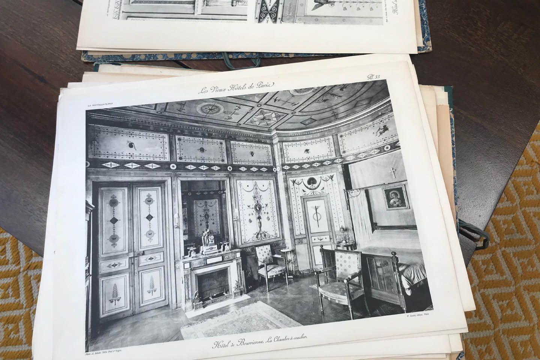 1922年に出版された本「Les Vieux Hôtels de Paris(パリの古い邸宅)」に掲載されたオテル・ド・ブリエンヌ内部。修復後はこの姿になる。