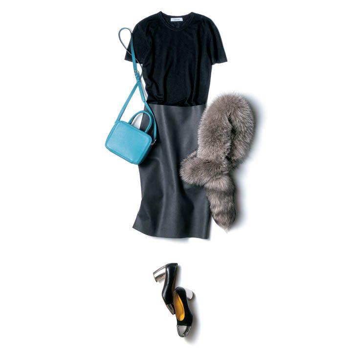 【7】黒のカシミアTシャツ×タイトスカート×フォックスファー